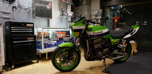 ZRX1200R エンジンオイル マイスター フロントフォークオーバーホール リアサスペンションオーバーホール 外装ディティーリング バイク ガラスコーティング