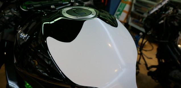 カワサキH2 フィルムコーティング 価格 バイク 傷防止 フィルムガードシステム ガラスコーティング kawasaki CR-1