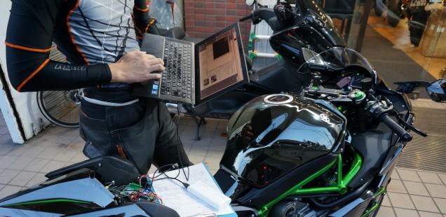 立て続けですが、リバーマーク仕様のH2フィルム施工です。 千葉県バイクガラスコーティング東京都