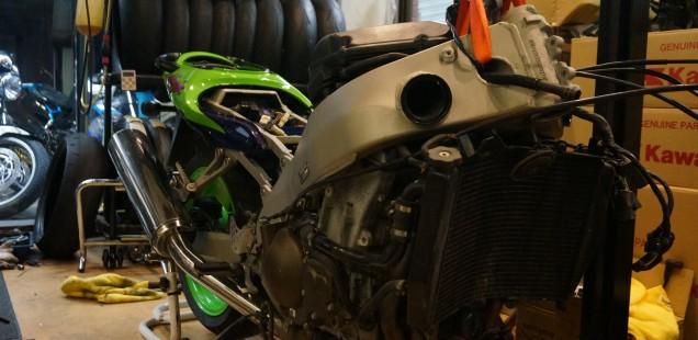 カワサキZX9R 車両販売 整備 ポリッシュ バイク ガラスコーティング フィルムコーティング ペイントプロテクションフィルム