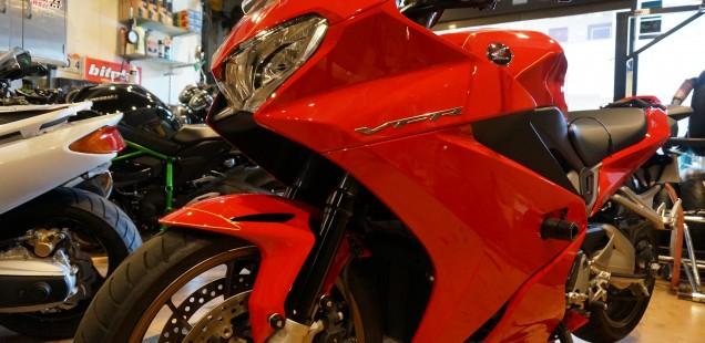 VFR800F バイク ガラスコーティング フィルムコーティング PPF ペイントプロテクションフィルム 千葉県 東京都 神奈川県