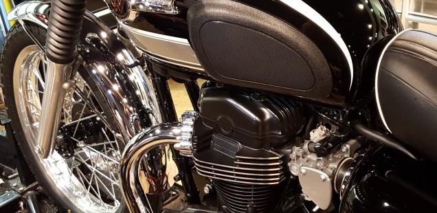 カワサキ W800 バイク ガラスコーティング フィルムコーティング 千葉県 東京都 神奈川県 埼玉県 茨城県