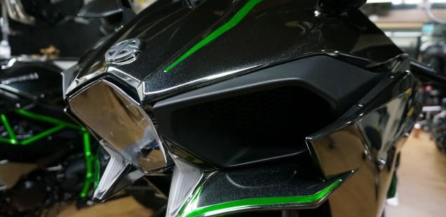 カワサキ ninja H2 デカール作成 カーボン外装 バイク ガラスコーティング フィルムコーティング 千葉県 東京都 神奈川県 茨城県